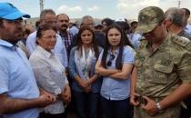 HDP'li vekiller çatışmaya canlı kalkan oldu!
