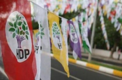 HDP'nin 4 sandık görevlisi sosyal medya paylaşımları nedeniyle gözaltına alındı