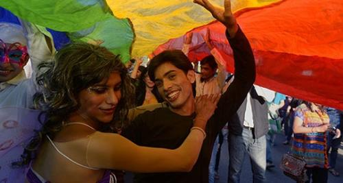 Hindistan'da LGBTİ tedavisi!