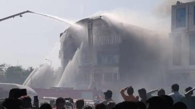 Hindistan'da çıkan yangında 20 kişi öldü