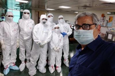 Hindistan'da iki doz aşı olanlar arasında koronavirüs vakaları arttı
