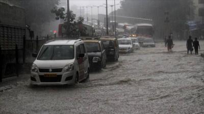 Hindistan'da muson yağmurlarında 59 kişi öldü