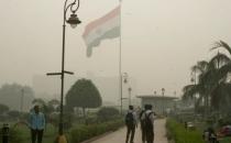 Hindistan'da okullar hava kirliliği sebebiyle tatil ilan edildi