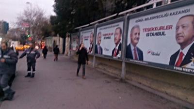İBB, Yıldırım'ın afişlerini toplamaya başladı