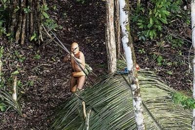 İlk çağlardaki gibi yaşayan bir kabile tespit edildi