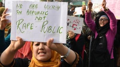 İnsan kaçakçılığını protesto eden beş kadın kaçırıldı, toplu tecavüze uğradı