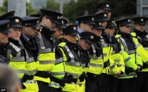 İrlanda polisi düşük ücretler nedeniyle grev kararı aldı!
