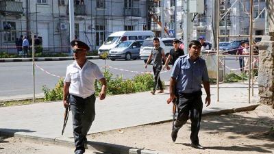 IŞİD'liler cezaevinde 3 gardiyanı öldürdü, isyan çıktı! 30 ölü