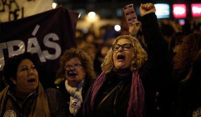 İspanya seçimlerinde mecliste 350 sandalyeden 164'ü kadınların