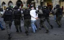 İsrail 25 Filistinliyi gözaltına aldı!