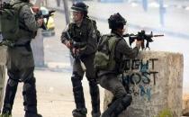 İsrail askerleri Filistinlilere ateş açtı: 20 yaralı!
