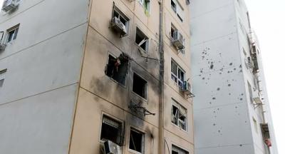 İsrail, Gazze'de sivillerin yaşadığı binayı vurdu