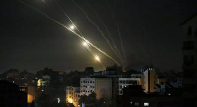 İsrail, Gazze'de uluslararası televizyonların bulunduğu binayı bombaladı