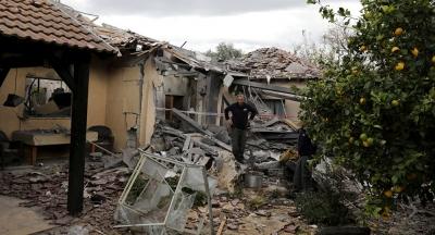 İsrail'de bir eve roket isabet etti: 7 yaralı