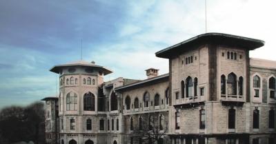 İstanbul Erkek Lisesi'nden Noel yasağı açıklaması