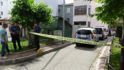 İstanbul Fatih'te kuyumcu kuryesinin önü kesen 5 kişi 4 kilo altın çaldı
