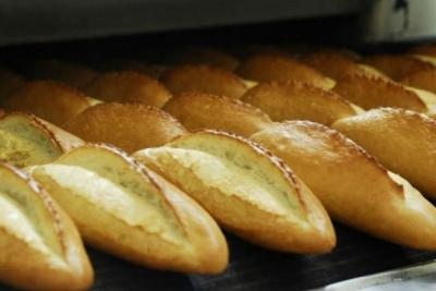 İstanbul'da ekmeğe 25 kuruş zam geldi