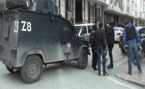 İstanbul'da IŞİD operasyonu: Bir kadın balkondan atladı