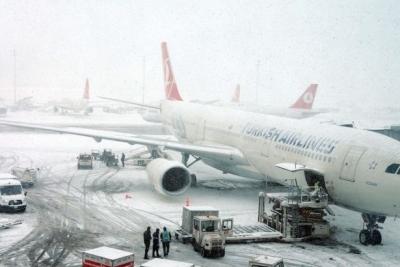 İstanbul'da kar yağışı beklentisi nedeniyle THY uçuşlarını iptal etti