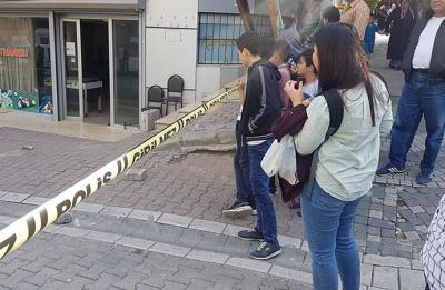 İstanbul'da otomobilden kahvehaneye ateş açıldı: 1 yaralı