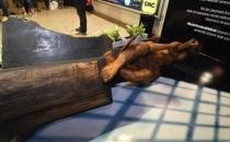 İzmir metrosundaki heykele ikinci saldırı!