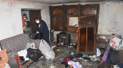 İzmir'de bir evden 20 ton çöp çıktı