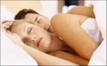 Kadınlar, erkeklerden daha çok uyuyor!