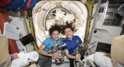 Kadınlardan oluşan ekip uzay yürüyüşünü tamamladı