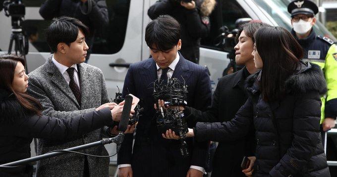 Kadınların 'Benim hayatım senin pornon değil' dediği Güney Kore'de polisin de adının geçtiği seks skandalı
