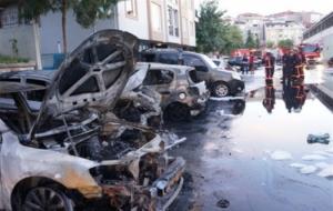 Kağıthane'de 17 otomobil kundaklandı!