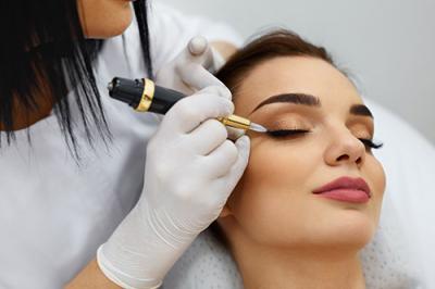 Kalıcı makyaj kanserin geç fark edilmesine neden olabilir