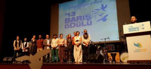 Barış ödülü Kardeş Türküler'in!