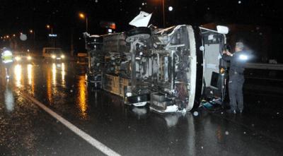 Kayseri'de işçi servisi devrildi: 19 yaralı