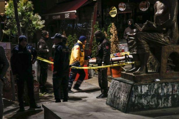 Kazakistan uyruklu bir kadın 4'üncü kattan düşerek öldü