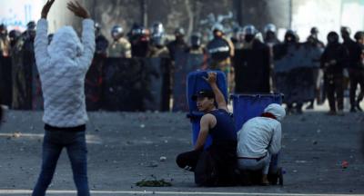 Kerbela'da Meclis binasına girmeye çalışan 15 eylemci yaralandı