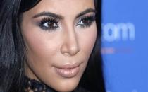 Kim Kardashian'ın odasına silahlı baskın!