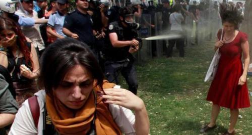 İTÜ'ye 'Kırmızılı Kadın' tepkisi