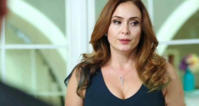 Kızının regl olduğunu sosyal medyadan duyurduğu için eleştirilen Ceyda Düvenci: 'Utanmayın, onurlandırın'
