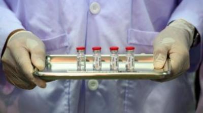 Koronavirüs aşısı insanlar üzerinde denenmeye başladı
