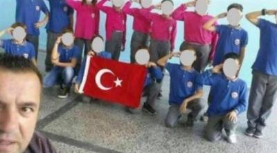 Kosova'da öğrencilere asker selamı verdiren öğretmene soruşturma