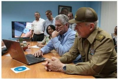 Küba, dizüstü bilgisayar üretimine başladı