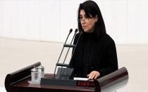 Leyla Zana yemin töreninde 'Türkiye milleti' dedi, Deniz Baykal yemini geçersiz saydı!