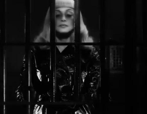 Madonna siyasi film çekti!