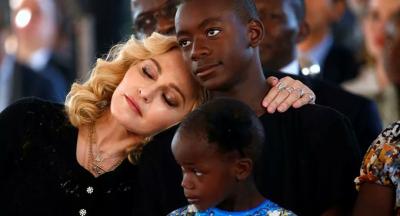 Madonna'nın George Floyd paylaşımı tepki gördü: 'Şimdi ırkçılık bitti kız'