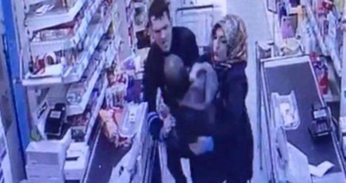 Marketten bebek maması çalarken yakalanan kişi gözaltına alındı