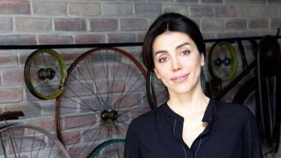 MEB, kendisini psikolog olarak tanıtan Azra Kohen'e psikoloji alanında meslek tanıtımı yaptırdı; tepkiler üzerine video kaldırıldı