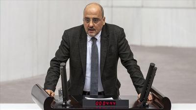Meclis'te 'Tiranlık' benzetmesi yapan Ahmet Şık'a uyarı cezası
