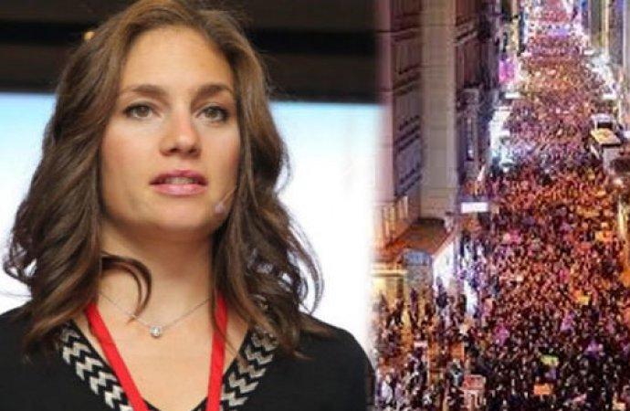 Mengü: Ezan henüz bitmemiş olan Taksim Camii'nden okundu