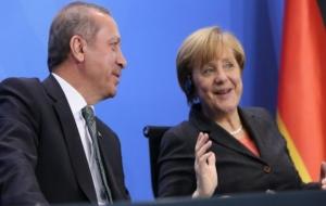 'Merkel, Erdoğan'ı memnun etmek için medyayı susturuyor'