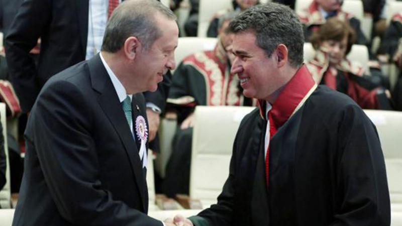 TBB'de 6 kişi daha Metin Feyzioğlu'na tepki göstererek istifa etti